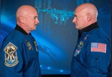 Скот Кели прекарва една година в космоса, а сега има различна ДНК от тази на неговия еднояйчен близнак. Братята Скот (вляво) и Марк Кели са единствените еднояйчни близнаци астронавти в историята. След космическа мисия, която промени ДНК, те може и да не са вече идентични. Снимка: NASA Twins Study