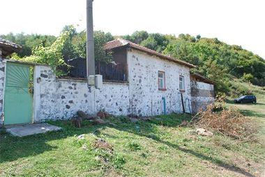 Обирджиите от Първомай скрили 100 хил. евро в къщата на майката на един от тях